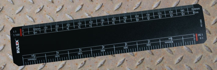 Black scale rulers